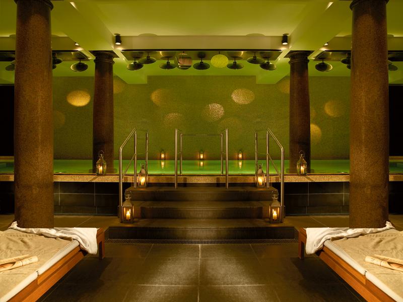 Schwimmen im Tresorraum: Das Hotel de Rome Berlin zählt ebenfalls zu den besten Stadthotels Deutschlands.