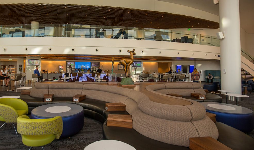 Delta Sky Club Seattle Review Lounge