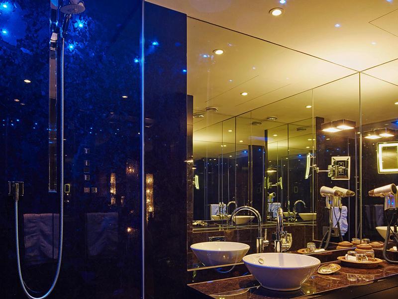 die besten business hotels in k ln the frequent traveller. Black Bedroom Furniture Sets. Home Design Ideas