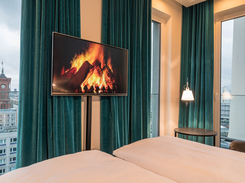 das neue motel one berlin alexanderplatz ein besuch the. Black Bedroom Furniture Sets. Home Design Ideas