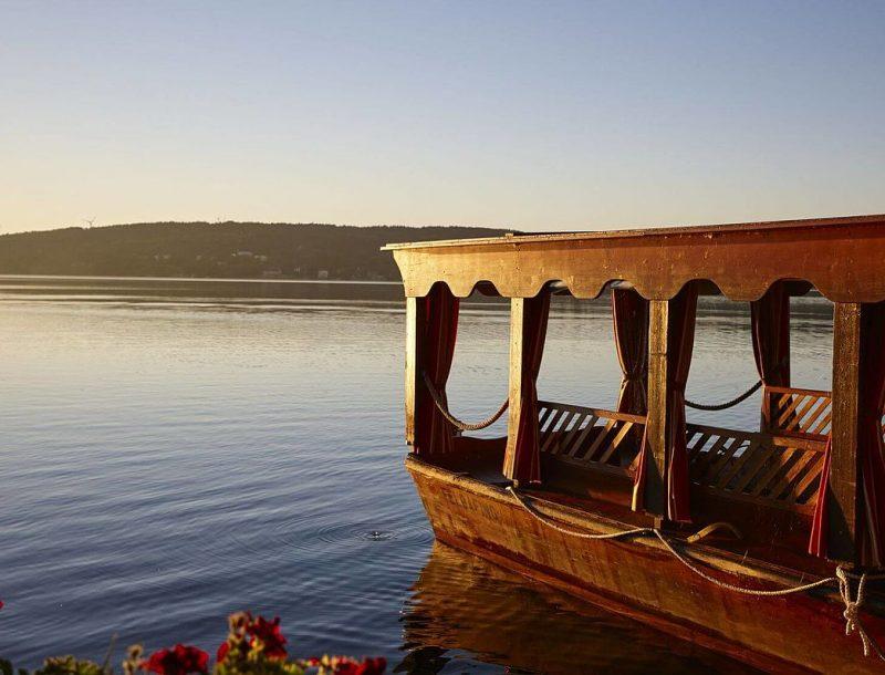LA VILLA: Hausboot