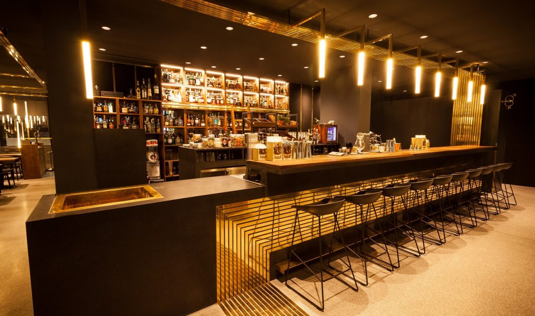 Bartresen der Herzog Bar in München