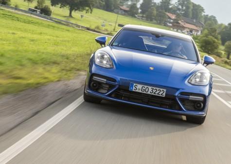 Porsche Panamera Turbo Fahrtest Fahrbericht