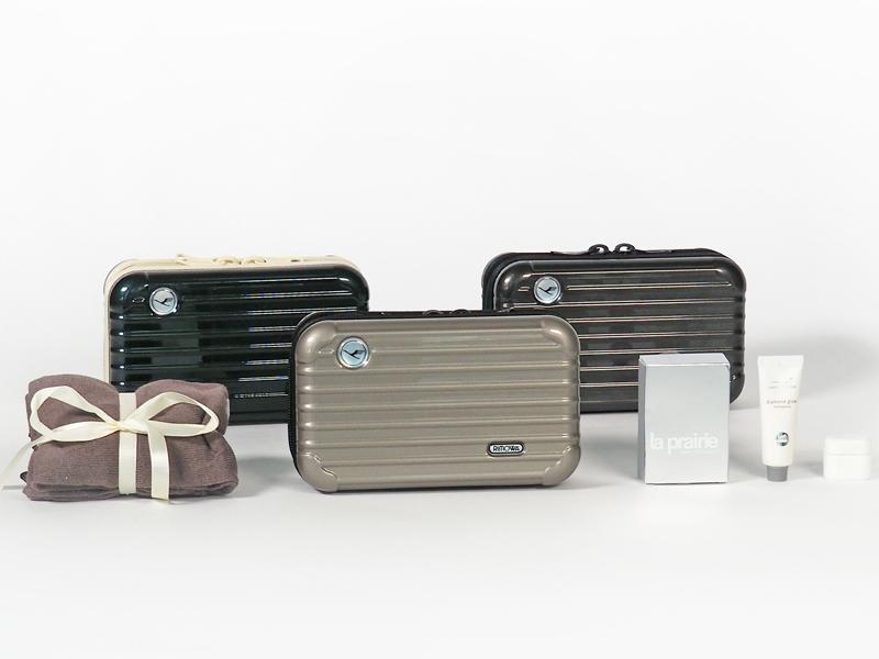 amenity kits luxus geschenke ber den wolken tft magazin. Black Bedroom Furniture Sets. Home Design Ideas