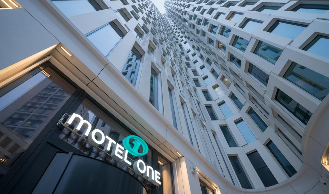 Motel one berlin upper west ein besuch in dem low budget for Trendige hotels in berlin