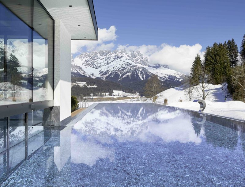 Hotel Der Bär: Pool mit Aussicht